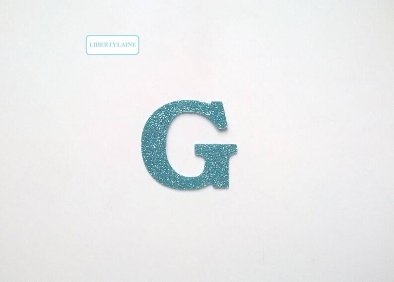 Retro bar neon sign avec lettrage appliqué à base de bleu repeint