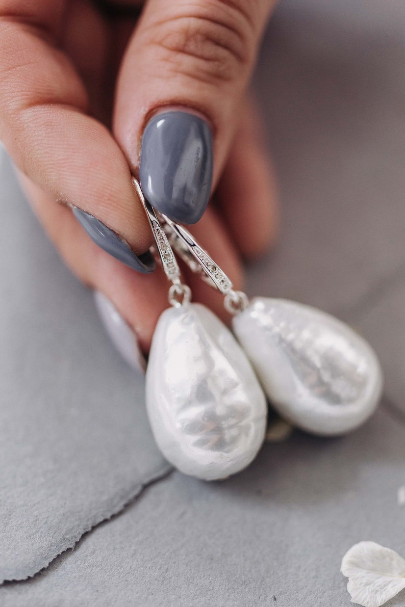 Ivory pearl wedding earrings silver pearl earrings classic pearl earrings classic earrings pearl earrings bridal pearl earrings