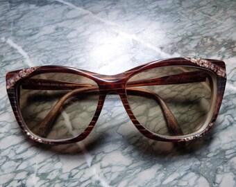 Lunettes de soleil de Yves Saint vintage Laurent les teintes des années  1980 Paris créateur de mode rétro oeil lunettes authentiques lunettes  numérotée logo ... 19a02715fef8