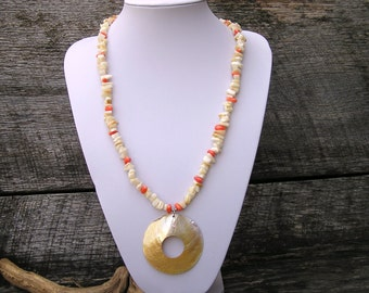 Shell Necklace, Coral Necklace, Shell Pendant, Statement Necklace, Beach Necklace, Summer Necklace, Bead Necklace Women, Gift for Her