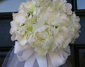 Bridal shower bouquet door decoration