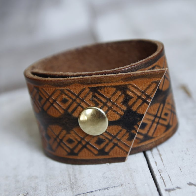 Two-Toned Brown Leather Cuff Bracelet Upcycled Belt Bracelet Womens Bracelet Mens Bracelet,