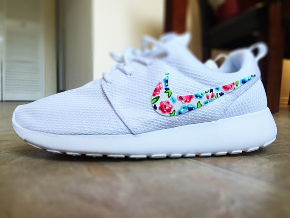 outlet store 36164 18cdb Items similar to Womens Custom Nike Roshe Run Floral design, Custom Floral  Nike, white with pop of color, cute and trendy, on Etsy
