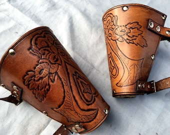 Assassin's Creed Italian Leather Bracers - Whiskey Coloured