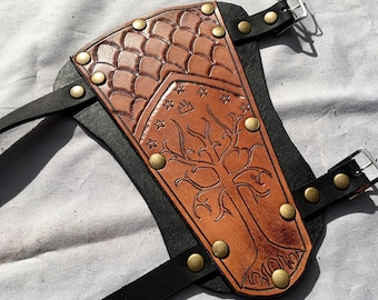 Lord of the Rings Gondor Leather Archery Bracer - Whiskey Coloured