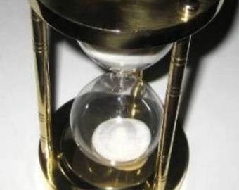 Noble, massive hourglass hourglass 5 min height 14.5 cm, brass