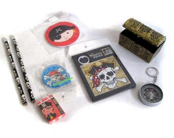 8-piece Pirate set-party-birthday-motto party, gift games, pens, chest *
