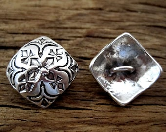 Beautifully Designed Stamped Sterling Silver Button Clasp for Wrap Bracelet (one button) (C) (N)