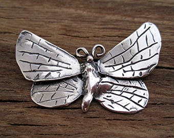 Detailed Artisan Butterfly Pendant in Sterling Silver (one)
