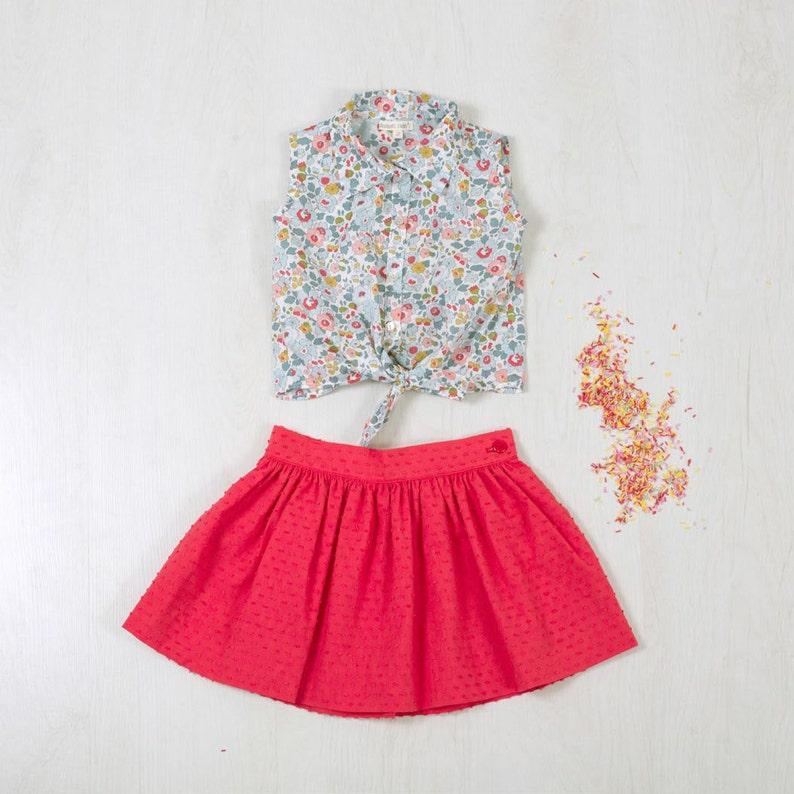 47b1fccef Conjunto niña con falda , Top en tela liberty, Falda en tela plumeti, Top  Liberty girls, Falda roja Talla 2-3 Años