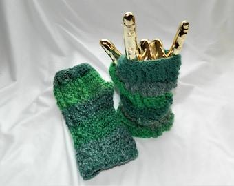Crochet Cabled Fingerless Gloves in Green