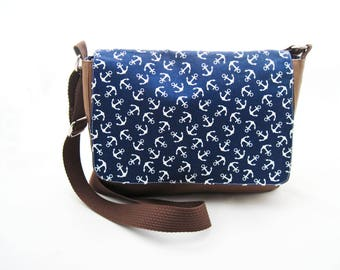 """Shoulder Bag, Messenger Bag """"Anchors"""", brown leatherette and navy blue cotton with white anchors, inner pocket, magnetic closure, zipper"""