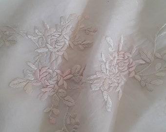Rose pastel et crème brodé Antique châle c1910 EDWARDIAN crème soie  envelopper avec broderie dessinée fil bordure Vintage mariage FLORAL 1613e564970