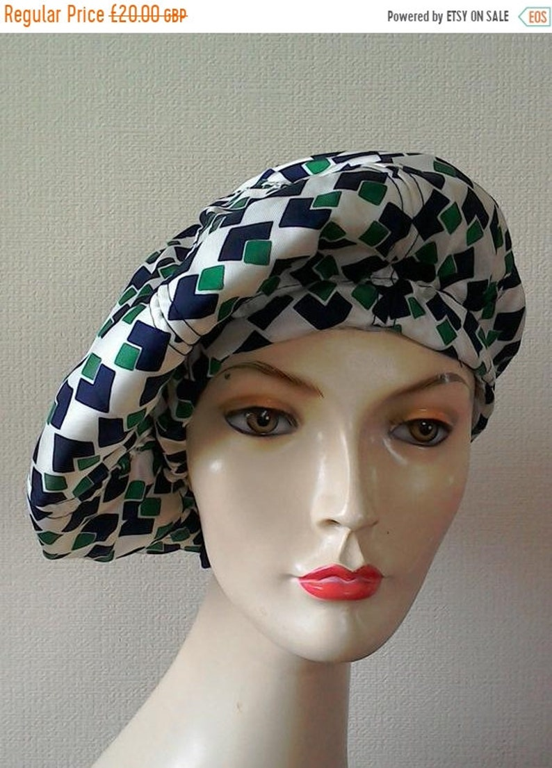 2d41e4a9 Navy and Emerald Green Print 1960s BERET Vintage Hat White   Etsy