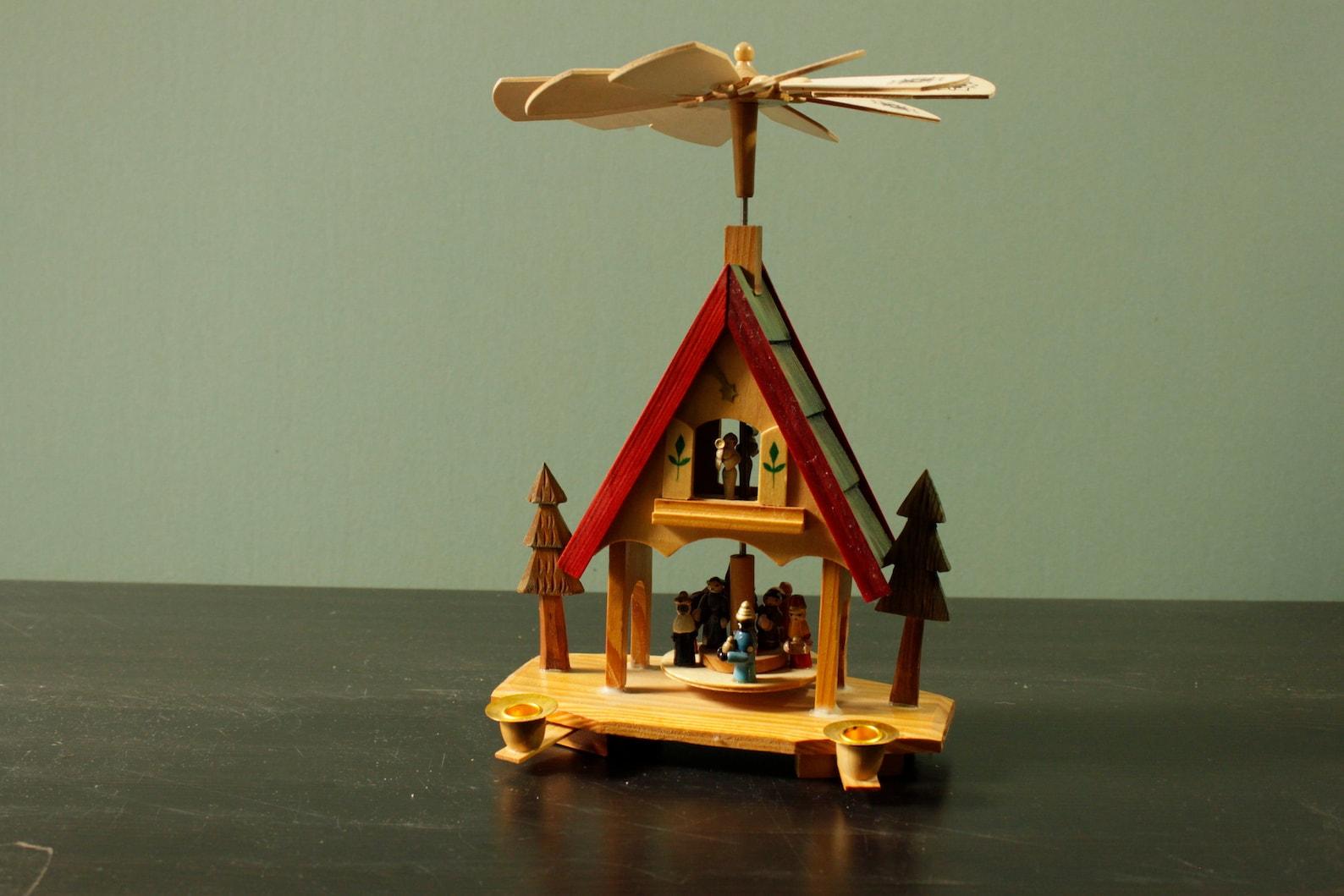 Christmaspyramide German Folk Art Christmas Decoration