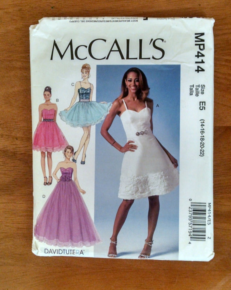 6555feb4c MP414 costura patrón señoritas de McCall, sin cortar, doblado de fábrica  2014