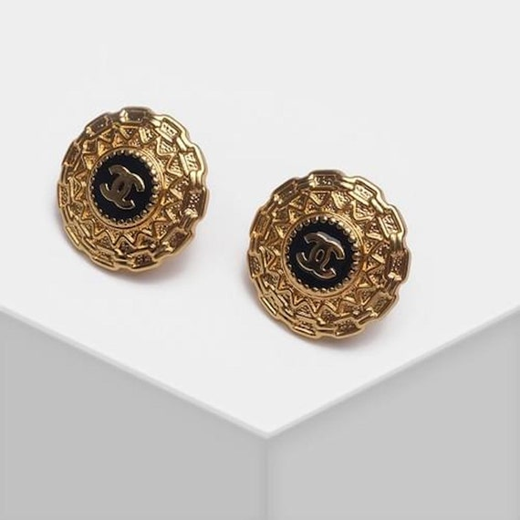 CHANEL earrings | Chanel Black and gold classic ea