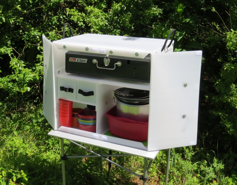 The Camping Kitchen Box 1000 - Keep your Camp Kitchen organized and Ready  for Adventure with this Lightweight Plastic Chuck Box