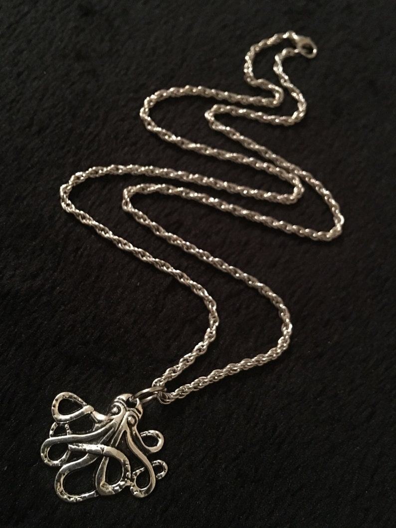 80p UK P/&P Handmade Octopus necklace with 19 inch chain silver nautical steampunk ocean sealife statment antique animal fish kraken surfer