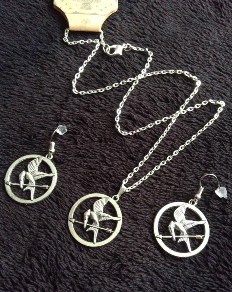 80p UK P/&P handmade inspired Mockingjay *SET* earrings and necklace silver bird arrow UK Seller