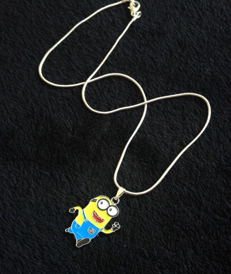 DESPICABLE ME SILVER PLATED NECKLACE 16 inch 3 TO 5 YEAR GIFT BOX MINIONS PARTY