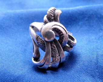 Abstract Swirls Sterling Silver Ring ~ Size 7 ~ 8 Grams
