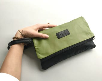 Green leather clutch | Oversized Green clutch | Recycled Green leather bag | Evening bag | Designer bag | Green upcycled leather clutch