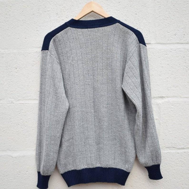 Size Medium Vintage Navy and Grey Patterned Cardigan