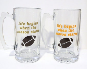 Football Beer Glass, Custom Beer Glass, Football Fan,Christmas Gift,Groomsmen Gift,Gift for Dad,Sports Fan Gift,Football Season,Gift for Him