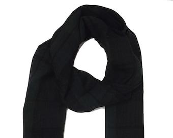 Black-dark green stripped scarf