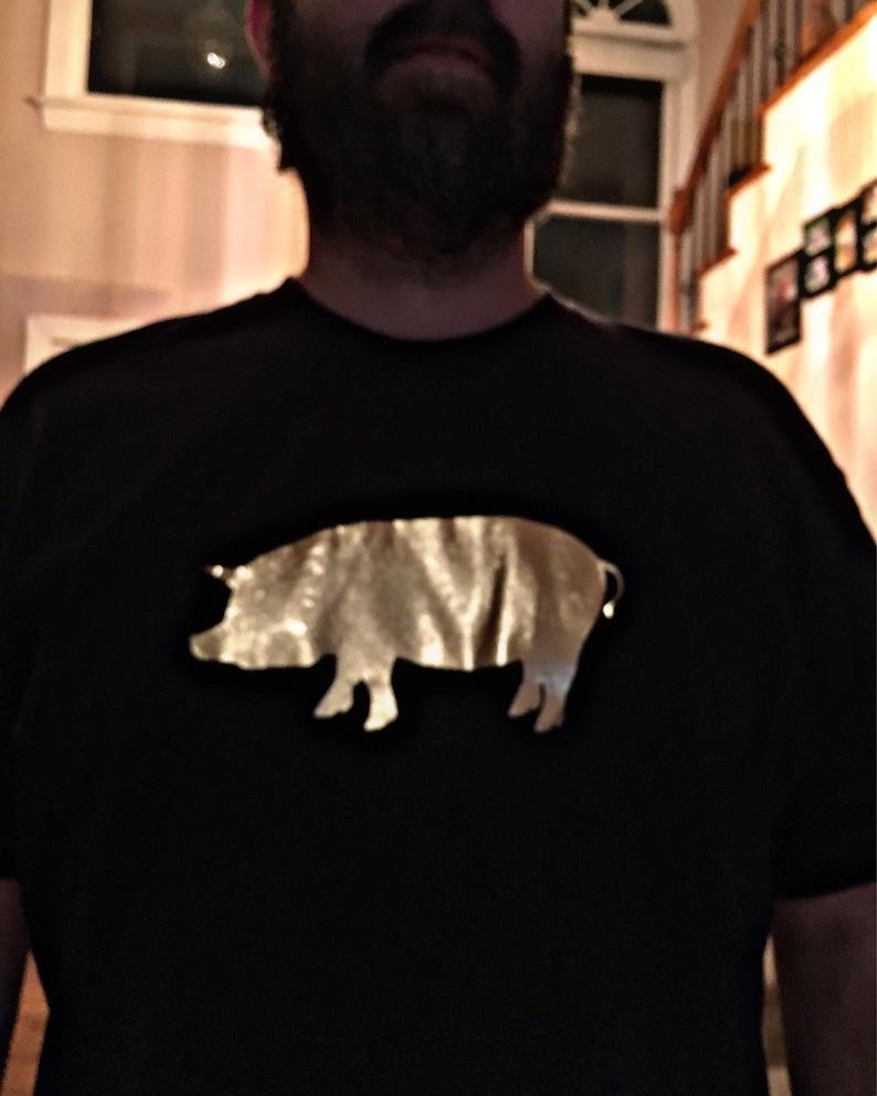 77751380 Mens Golden Pig Shirt / Vinyl Shirts / BBQ Shirts / Southern | Etsy