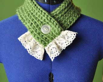 Green Knitted Scarflette with Vintage Lace