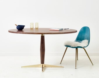 Peppermint Pie Pedestal Table - Mid-Century Modern Oval Dining Table