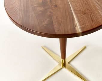 Superieur Side Show Bistro Table   Mid Century Modern Round Pedestal Cafe Table