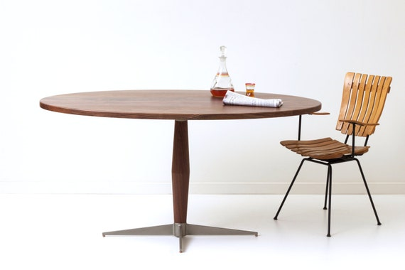 Peppermint Pie Pedestal Table - Mid-Century Modern Dining Table