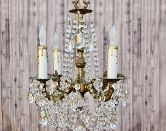 20h Golden Chandelier Lighting Gilt Brass and Crystal x 25w. Layaway Available