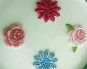 Wholesale lot  40pcs   3d  flower  Pink  purple  embroidered iron on patch  about 2.5-3 cm