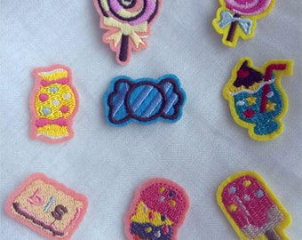 Wholesale bulk Lot   8pcs  candy biscuit  ice cream   embroidered iron on  patch DIY sewing   about  2-4cm