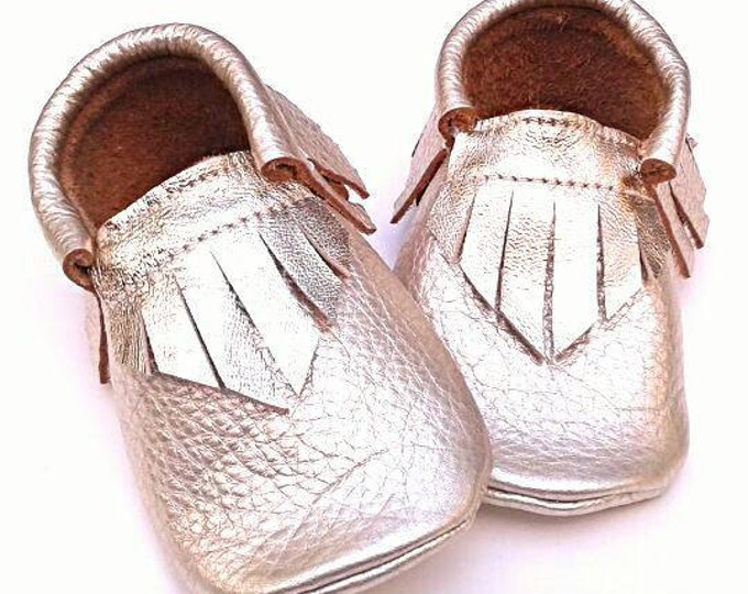 Baby Moccs - Metallic Champagne Gold moccs - babyshoes -  toddler moccasins - leather moccs - soft sole baby shoes - kids shoes - baby gift
