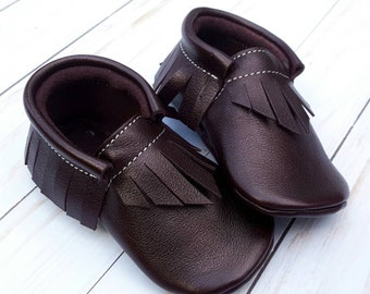 Moccasins - Mulberry Purple Moccs - baby moccs - crib shoes - leather moccs - moccasins - shoes- toddler shoes - baby shoes - baby booties