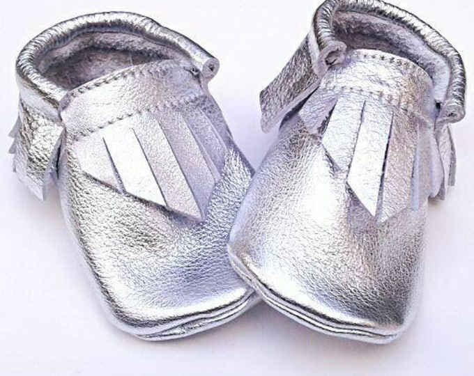 Moccasins - Metallic Silver moccs - baby shoes - toddler moccs - soft soled baby shoes - baby shower gift - kids shoes - leather moccs