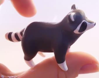 raton laveur-figurine-Raccoon Figure-Raccoon Sculpture -Little Raccoon-Raccoon Totem-Animal Figure -Animal Sculpture-Pocket Totem