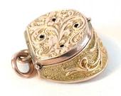 Unusual Victorian Gold Pe...