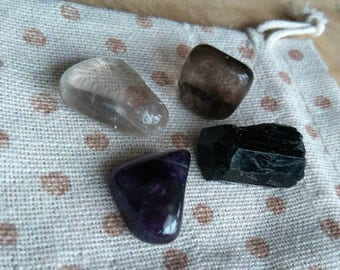 Crystal Healing, Bag of crystals for protection, Black Tourmaline, Smoky Quartz, Amethyst and Clear Quartz for Meditation and decoration