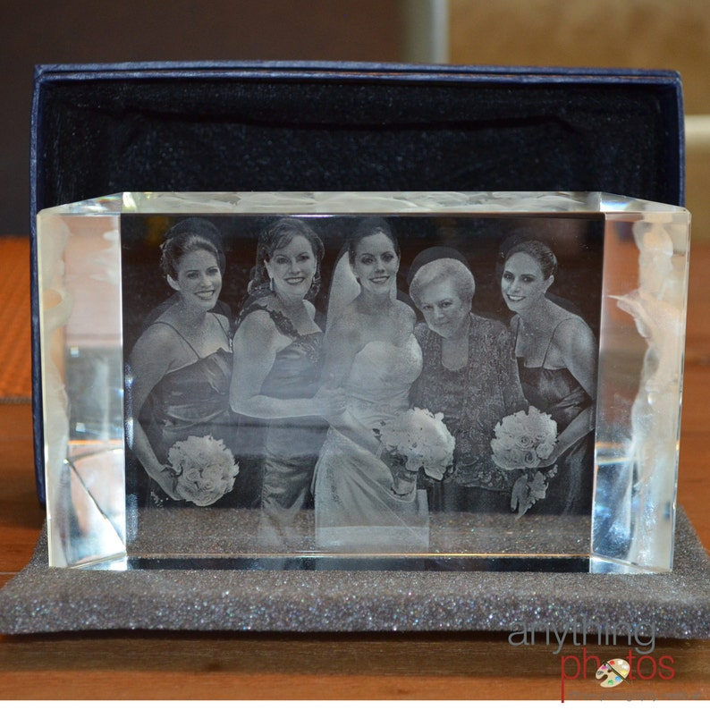 3D Crystal Prism with Personalized Laser Engraving  3 image 0