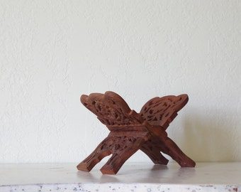 vintage book stand / wooden book holder / carved wood stand / vintage book rack / guest book stand / wooden book shelf / carved book rest