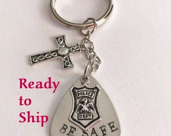 Personalized police officer gifts. Father's day gift. First responded. Personalized keychain. Birthday gift. Gifts for him. Unique key chain