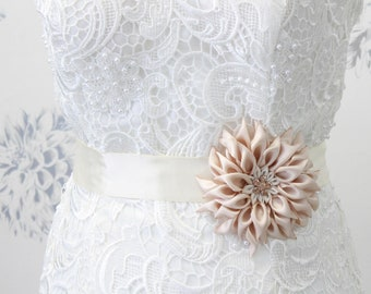 Flower Wedding Belt Dahlia Bridal Belt Sash Floral Wedding Dress Belt Rhinestone Pearl Sash Bridesmaid Prom Sash Belt for Dress Custom made