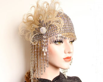Great Gatsby Headpiece, Feather Flapper Roaring 20s Silver Beaded Cap for Wedding Dress pearl Art Deco Bridal Headpiece Bachelorette Gala