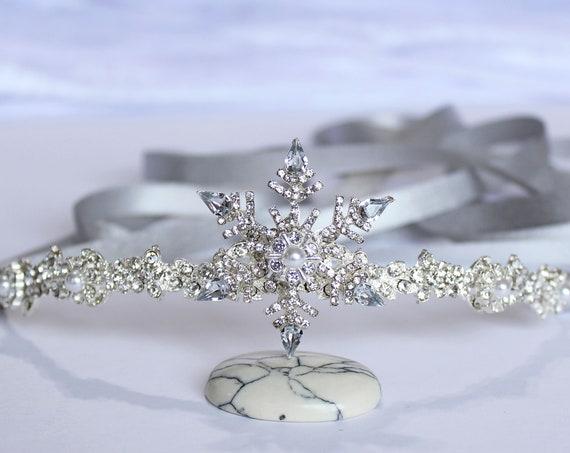 Silver Crystal Snowflake Bridal Tiara Wedding Headpiece Snow Flake Hair Piece Winter Wedding Snowflake Headband Bridesmaid Flower Girl